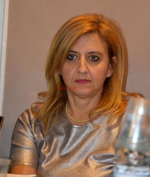 Maria T. Oliva020