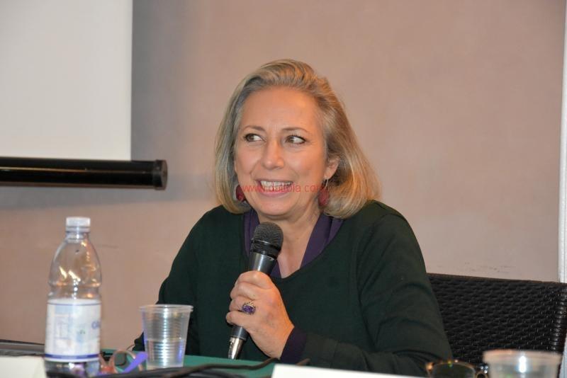 Maria T. Oliva036