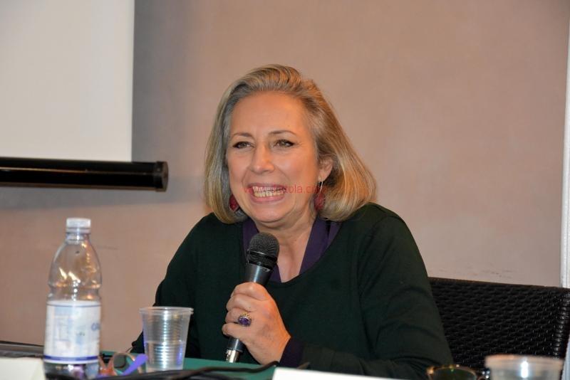 Maria T. Oliva037