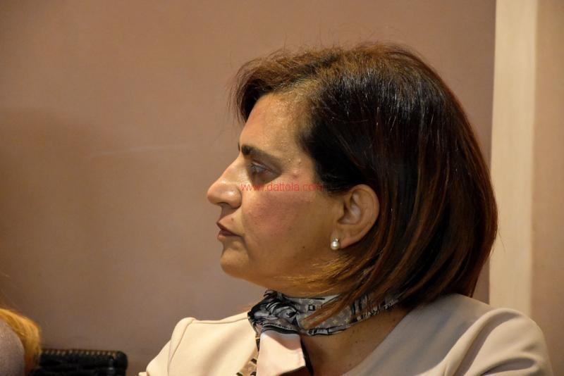 Maria T. Oliva064