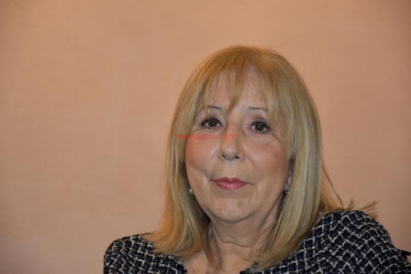 Maria T. Oliva078