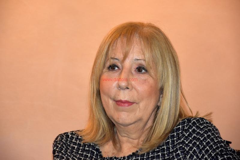 Maria T. Oliva079