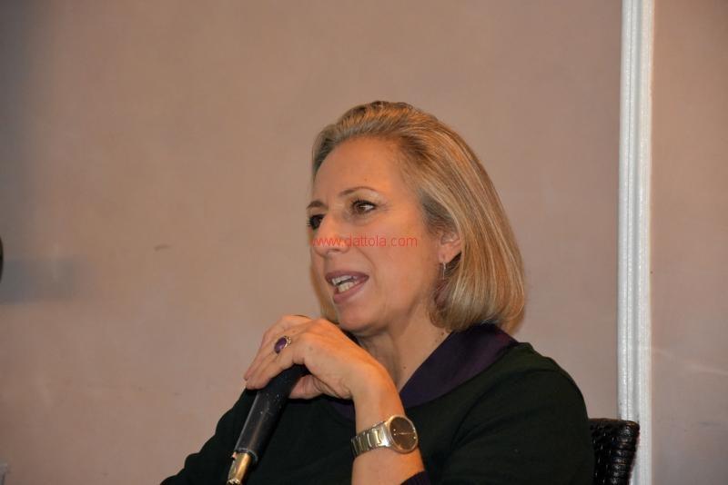 Maria T. Oliva084