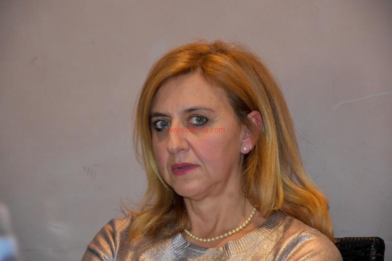 Maria T. Oliva085