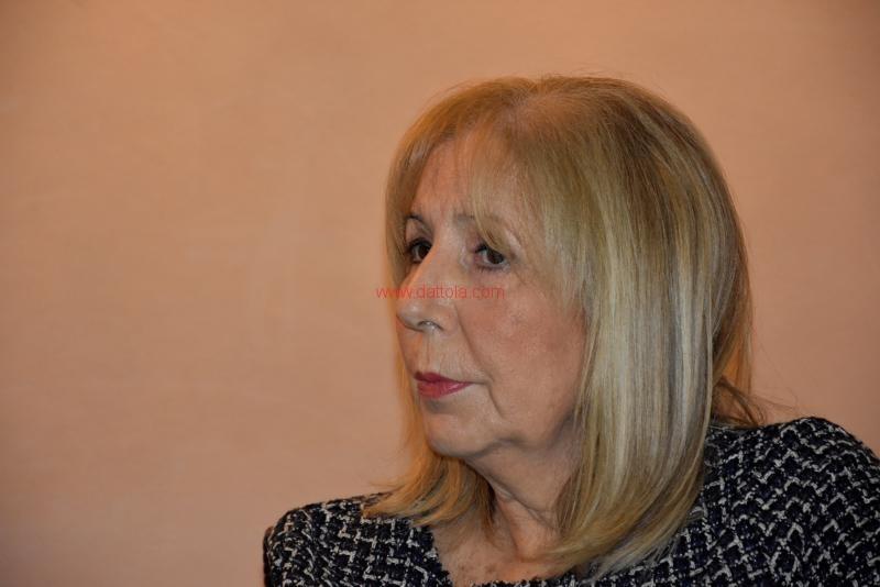 Maria T. Oliva104
