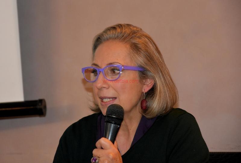 Maria T. Oliva114