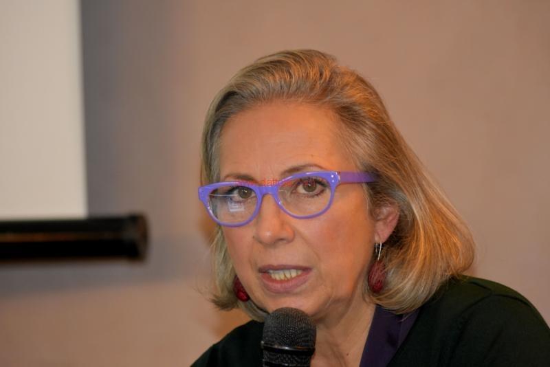 Maria T. Oliva120