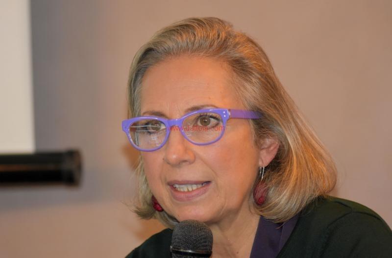 Maria T. Oliva121
