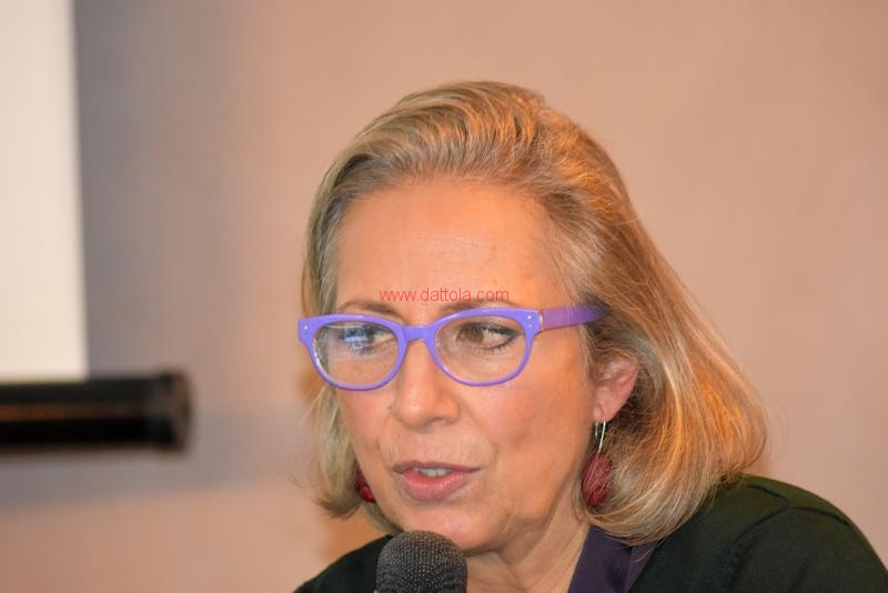 Maria T. Oliva122