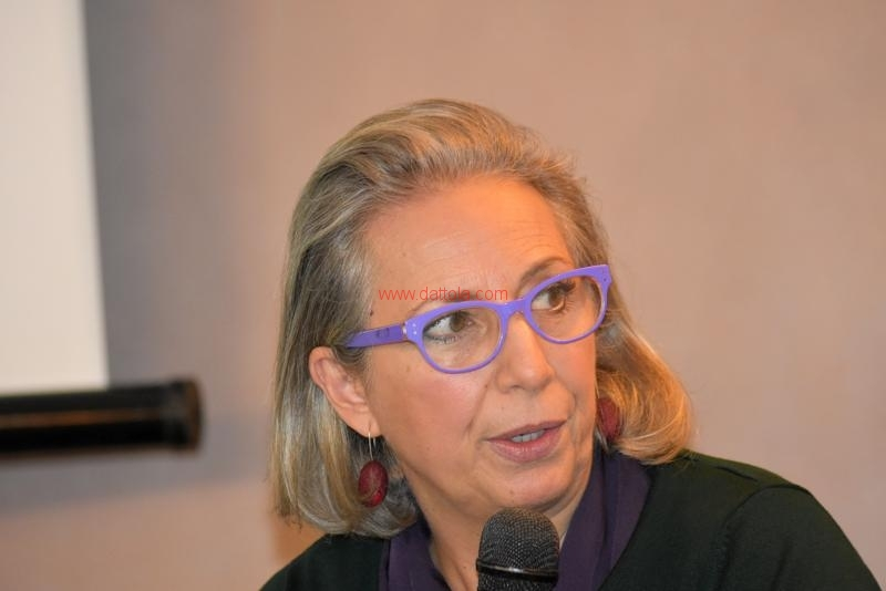 Maria T. Oliva128