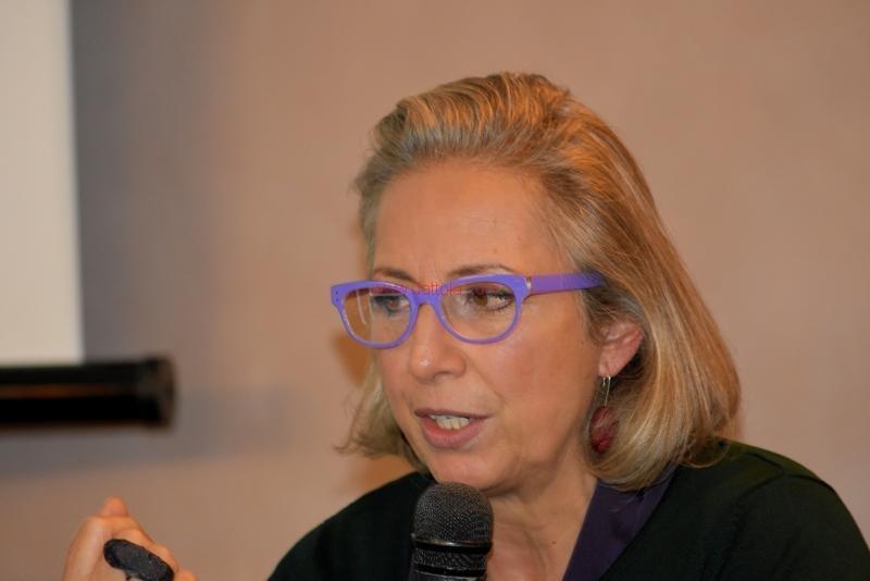 Maria T. Oliva130