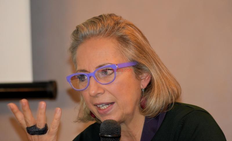 Maria T. Oliva132