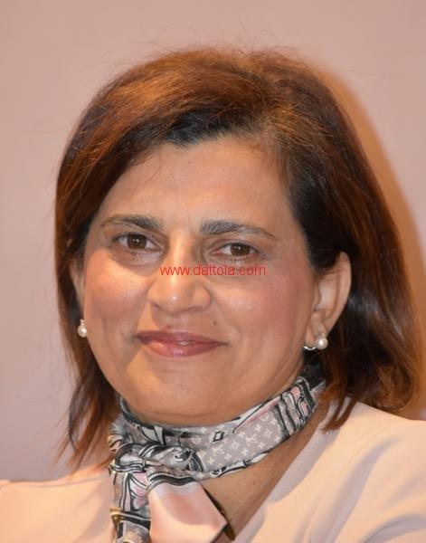 Maria T. Oliva161