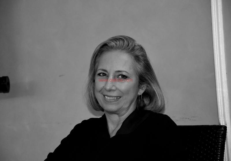 Maria T. Oliva228
