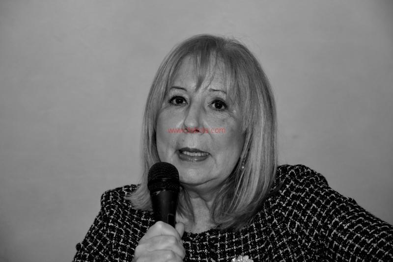 Maria T. Oliva229