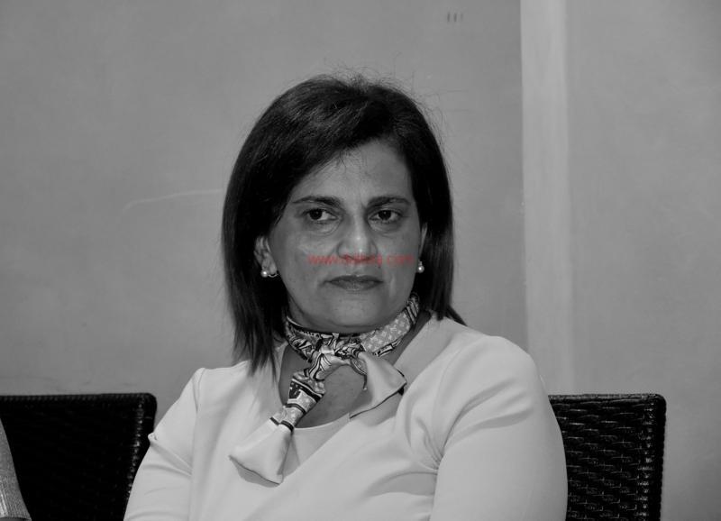 Maria T. Oliva232
