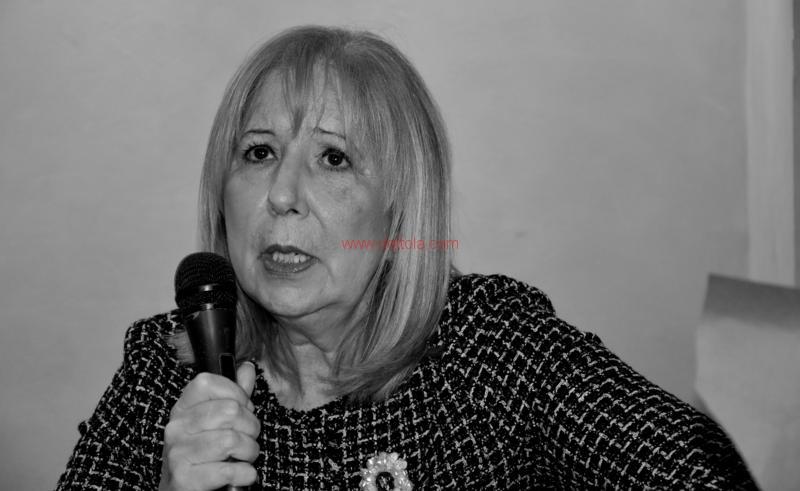 Maria T. Oliva233