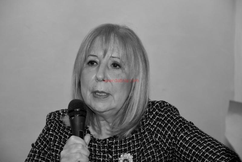 Maria T. Oliva235