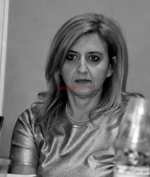 Maria T. Oliva237