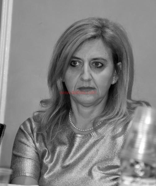 Maria T. Oliva238