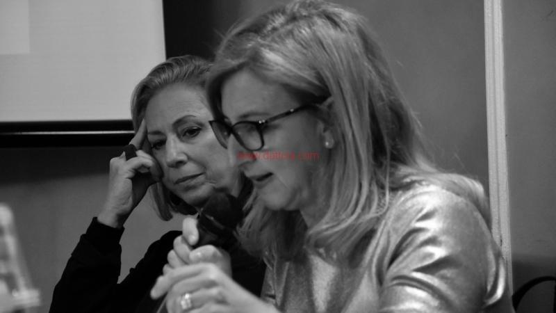 Maria T. Oliva243