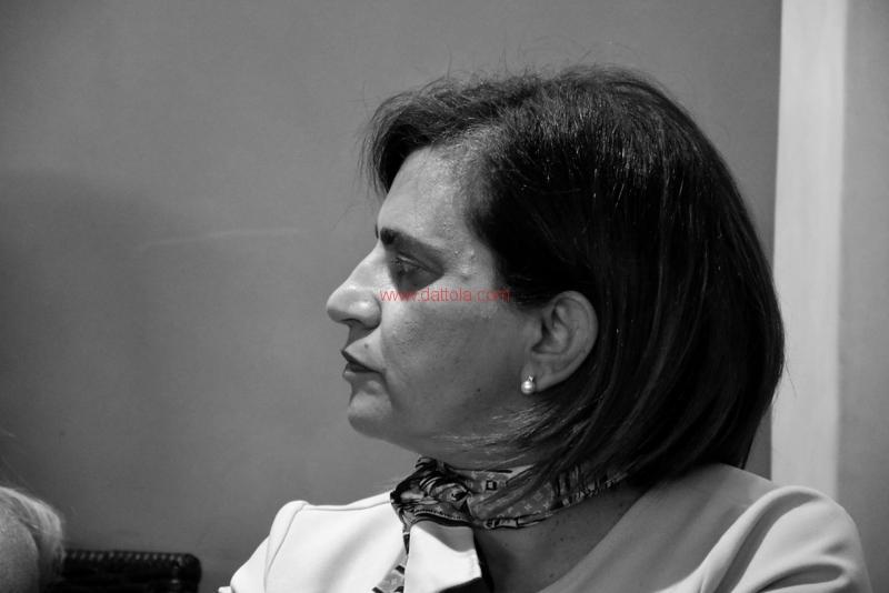 Maria T. Oliva255