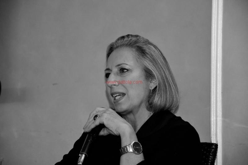 Maria T. Oliva262