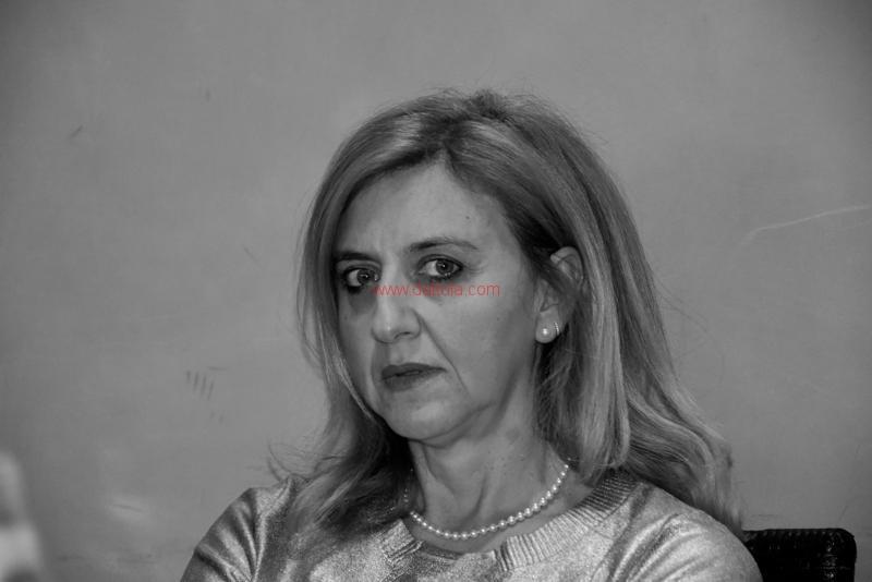 Maria T. Oliva263