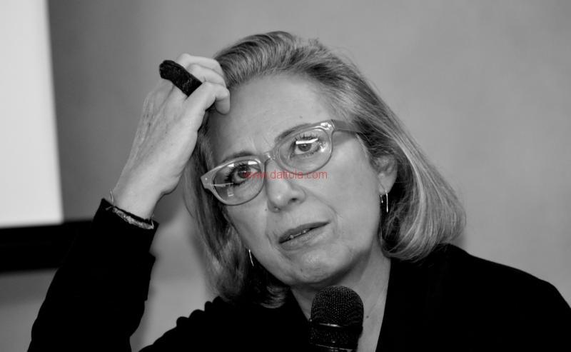 Maria T. Oliva273