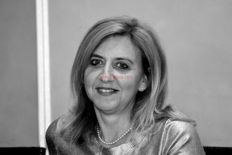 Maria T. Oliva275