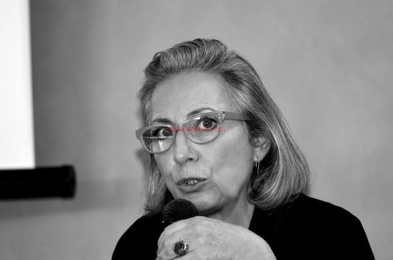 Maria T. Oliva277
