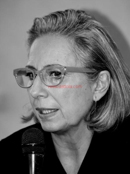 Maria T. Oliva279