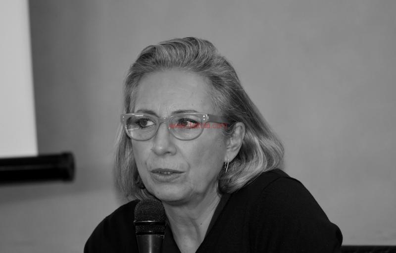 Maria T. Oliva287