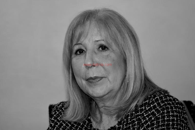 Maria T. Oliva288