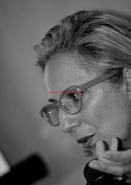 Maria T. Oliva290