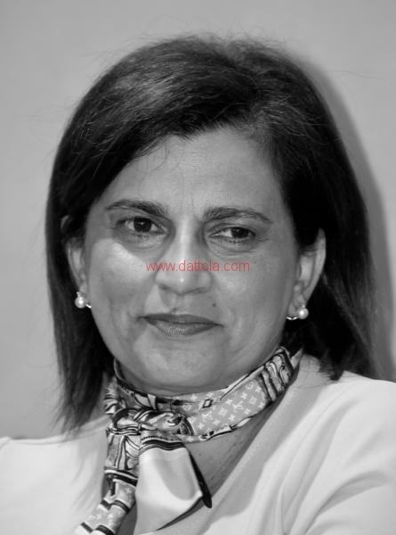 Maria T. Oliva293