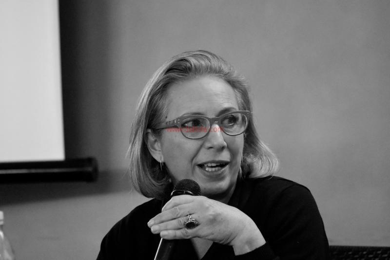 Maria T. Oliva305
