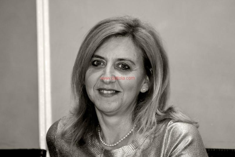 Maria T. Oliva322