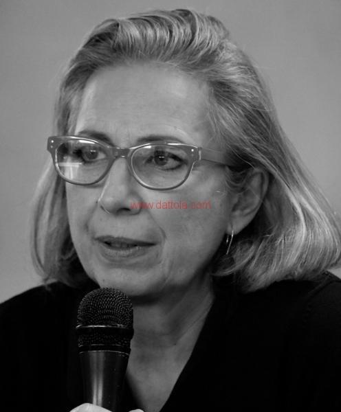 Maria T. Oliva323