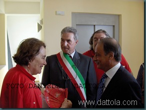 Immagine 238 ANITA CON PREFETTO E SINDACO
