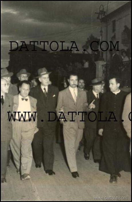 VICINO AL COMUNE 55 SERGI TROPEA DATTOLA_389x600 copy