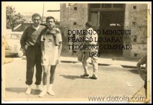 Mimmo Minicuci e Franco lugara' difronte Jacopino sul Corso 1960