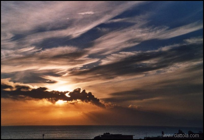etna in eruzione tramonto_800x546
