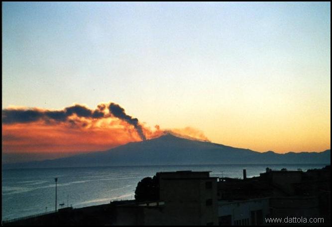 tramonto ETNA IN ERUZIONE_800x546