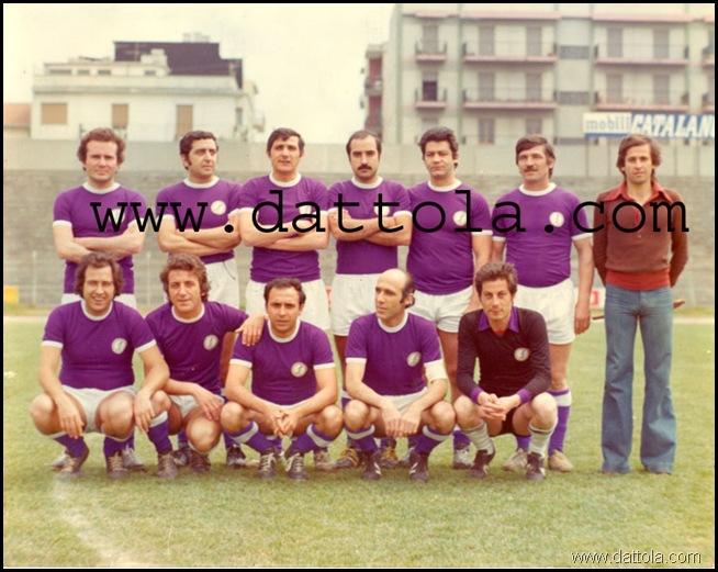 squadra calcio avv 1° posto al campionato 77nazionale ex equo copy
