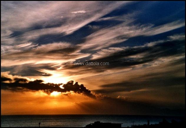 etna in eruzione tramonto MOD_800x546
