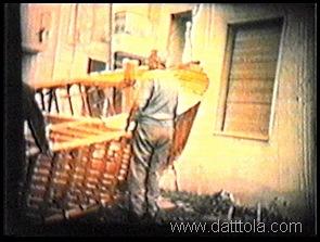 8 varie scene discesa dello scheletro dal terrazzo9