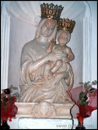 statua della madonna dell'alica conservata nella chiesa a Pietropennata