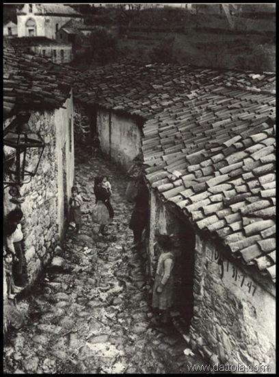 AFRICOSTRADACONDONNE1948PETRELLI_thumb