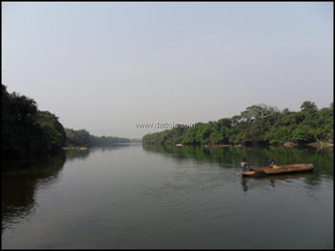 traghetto fiume Moa